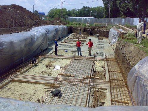 Saparea fundatiei 2 variante cum sa construiesti o casa for Cat costa intretinerea unei piscine